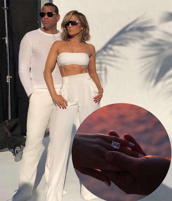 Jennifer Lopez junto a su prometido Alex Rodriguez mostrando su anillo de compromiso
