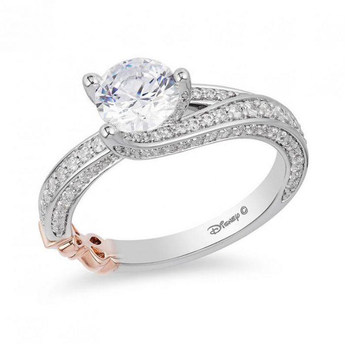 Anillo de compromiso de la princesa Blancanieves de la línea Disney Enchanted Fine Jewerly