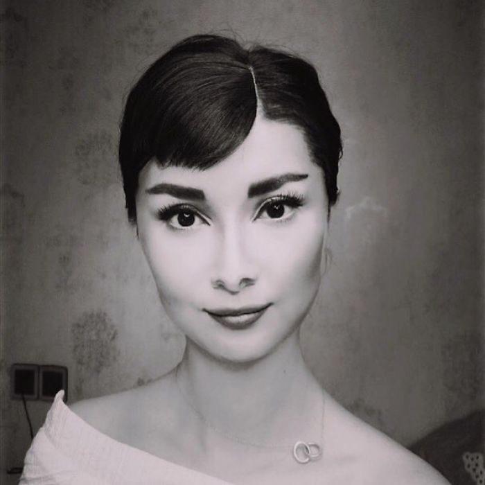 Chica disfrazada como Audrey Hepburn