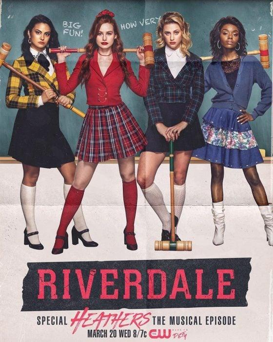 Grupo de chicas usando faldas a cuadros de colegiala en el poster oficial de Riverdale