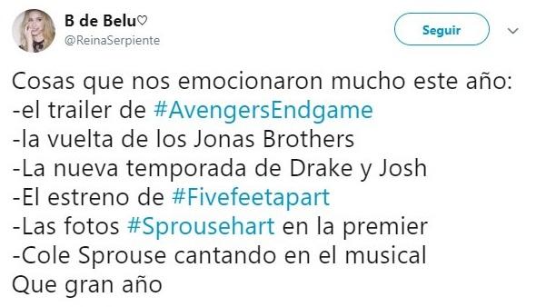 Tuit sobre Cole Sprouse cantando en la serie Riverdale