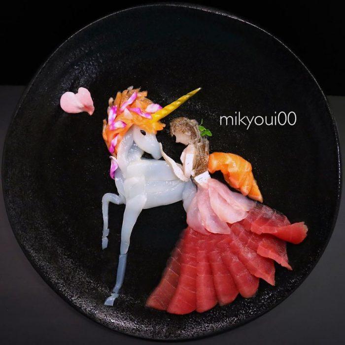 princesa con unicornio hecha de frutas