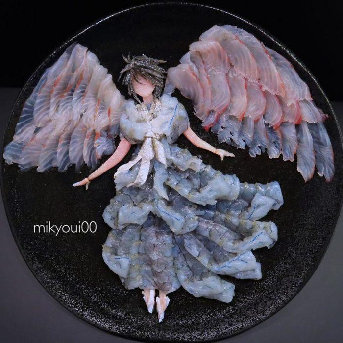 ángel elaborado con carnes frías