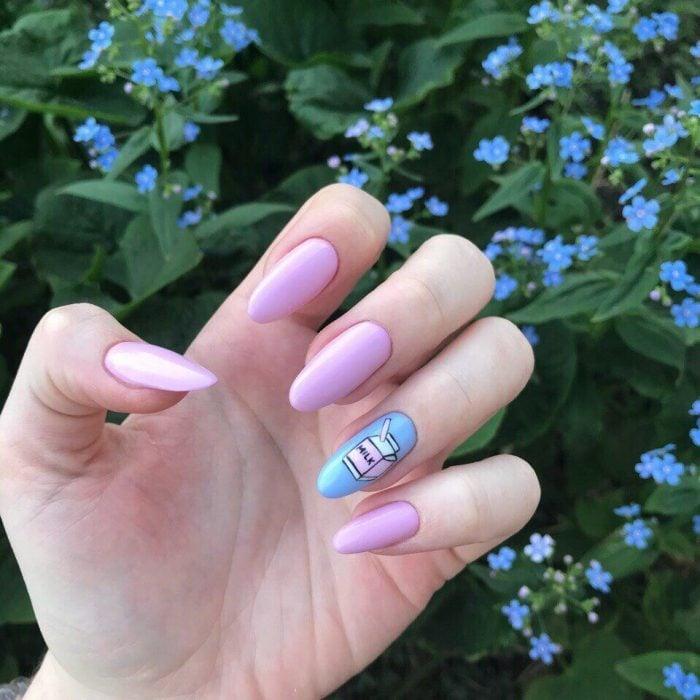 Diseños de uñas kawaii de leche