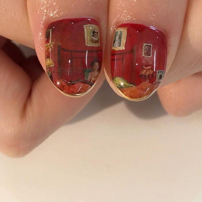 Diseños de uñas con pinturas en miniatura