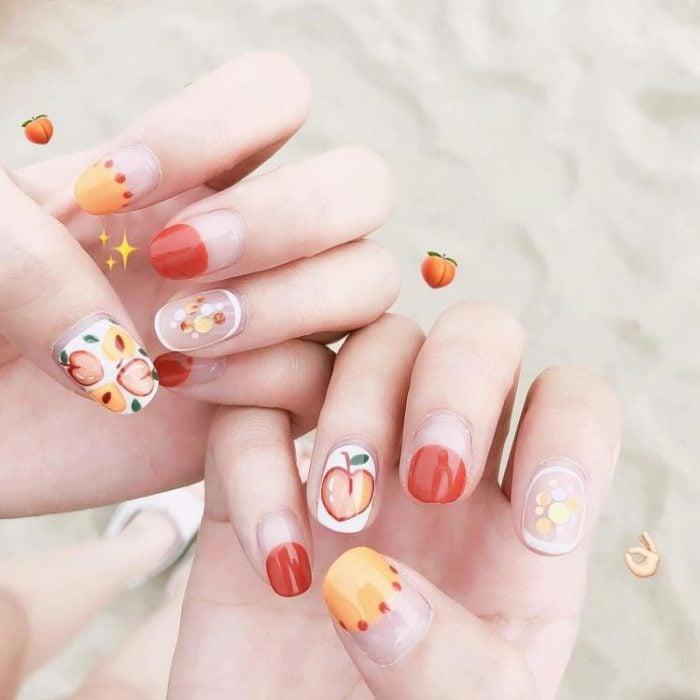 uñas con diseños de stickers