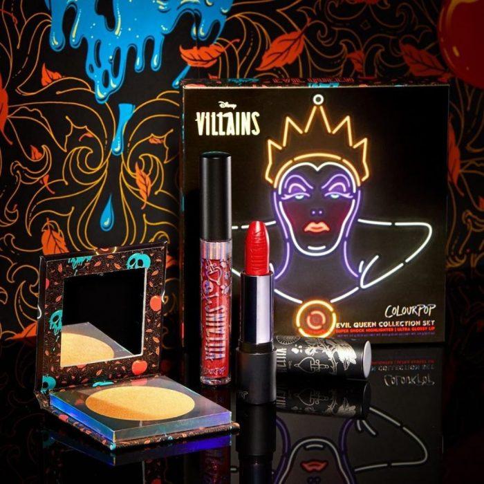 Set de maquillaje, de labial, lip gloss, paleta de sombras y rubor del personaje la Reina Malvada de Disney