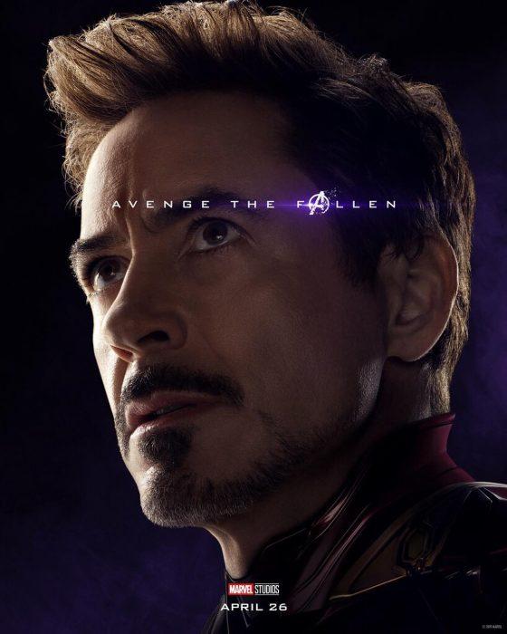 Hombre con cabello castaño, mirando hacia arriba, Iron-Man, Robert Downey Jr., Póster oficial de la película Avengers: Endgame