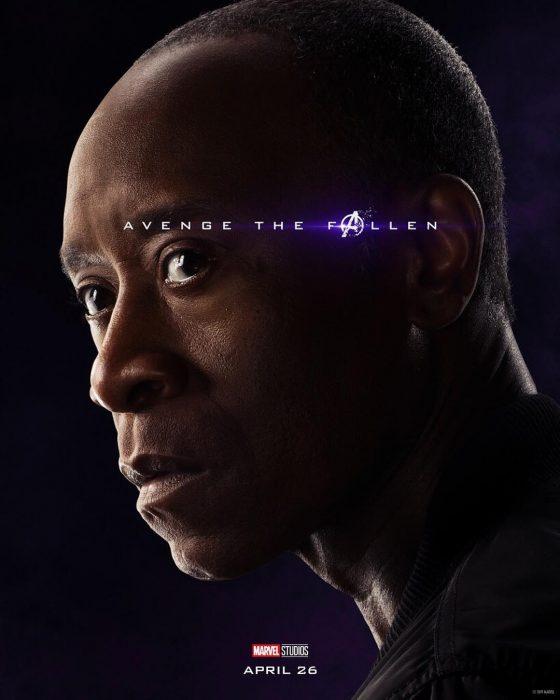 Hombre posando de perfil, War Machine, Don Cheadle, Póster oficial de la película Avengers: Endgame