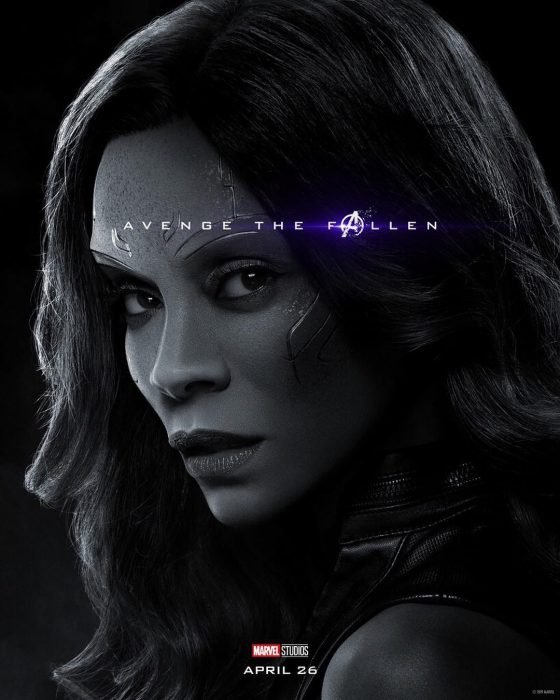 Chica con cabello largo, molesta, Gamora, Zoe Saldana, Póster oficial de la película Avengers Endgame
