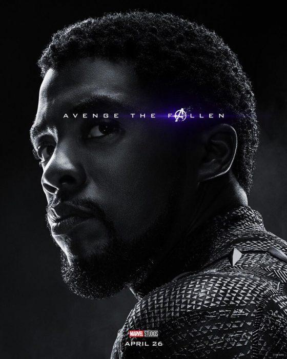 Hombre con barba de candado, mirando de reojo, Black Panther, Chadwick Boseman, Póster oficial de la película Avengers Endgame