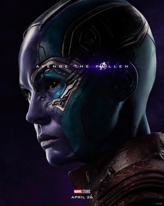 Chica disfrazada de Nebula, Karen Gillan, Póster oficial de la película Avengers Endgame