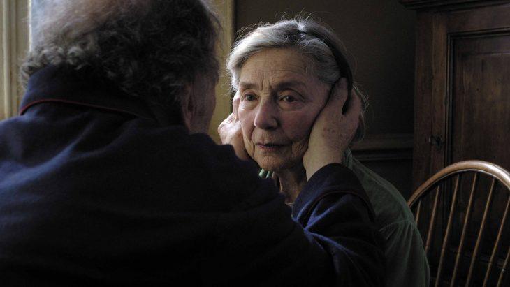La actriz de la cinta Amour - pareja madura hombre toma el rostro de mujer madura