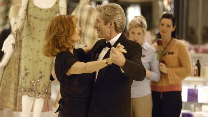 El actor Richard Gere y la actriz Susan Sarandon bailando juntos en la cinta ¿Bailamos?