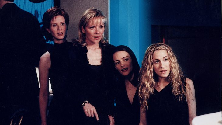 Las actrices Cynthia Nixon, Kim Cattrall, Kristin Davis y Sarah Jessica Parker respectivamente en la serie Sex And The City