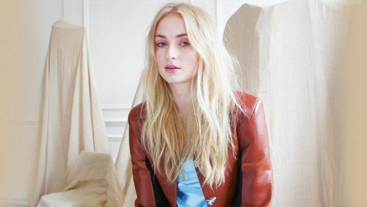 Sophie Turner en una sesión fotográfica