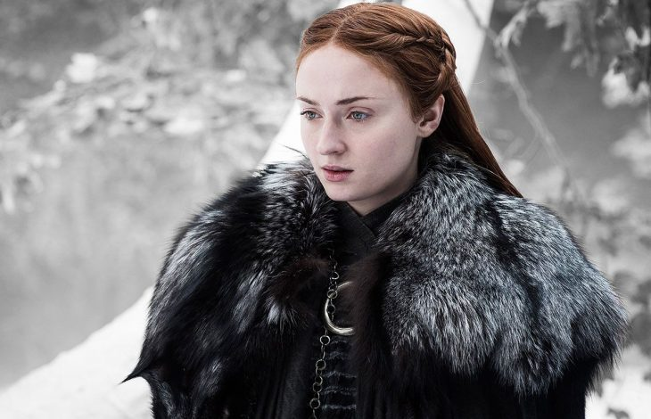 El personaje de Sansa Stark en el bosque de la serie Game of Thrones