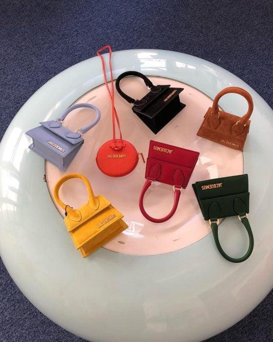 Mini bolsos creados por Jaquemus