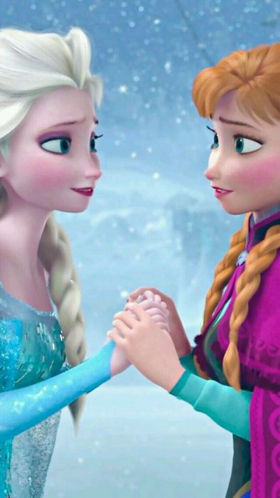 Ana and Elsa on the ice movie Frozen
