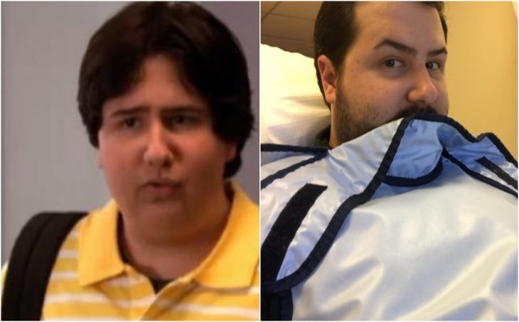 Jack Salvatore Jr. mordiendo un trozo de tela azul, recostado en una cama de hospital, Zoey 101
