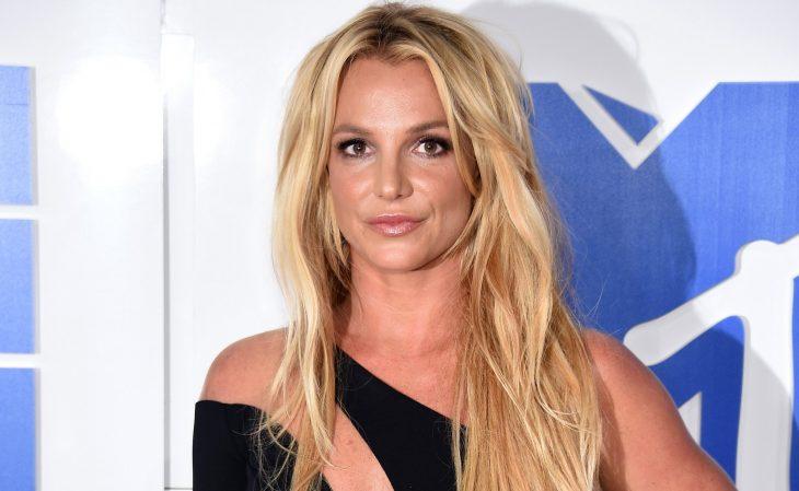 La cantante Britney Spears en la alfombra roja de MTV
