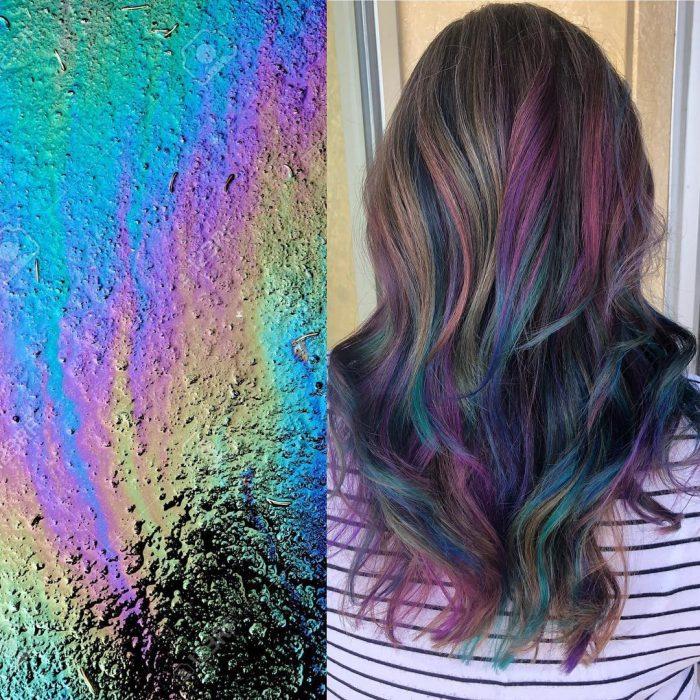 Tendencia de cabello, tinte oil slick que parece aceite derramado en el suelo, chica con cabello largo y ondulado, de colores morado, rosa, verde, azul y amarillo