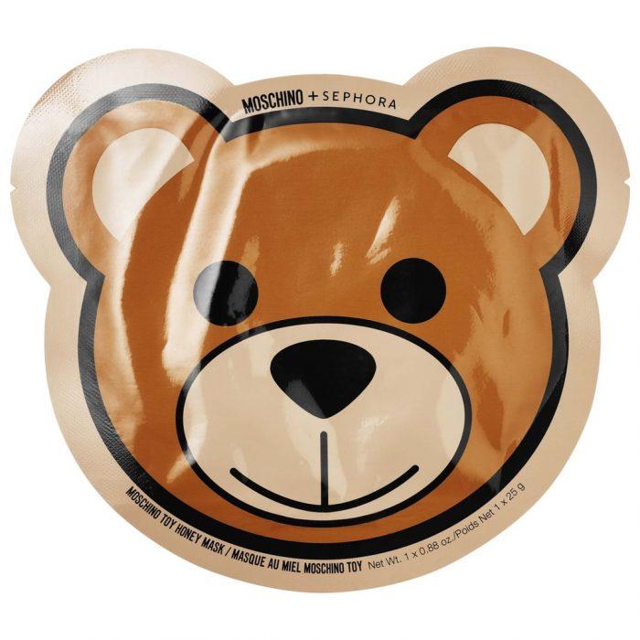 Mascarilla para el rostro con empaque en forma de oso de la nueva colección de maquillaje en colaboracipn con Moschino y Sephora