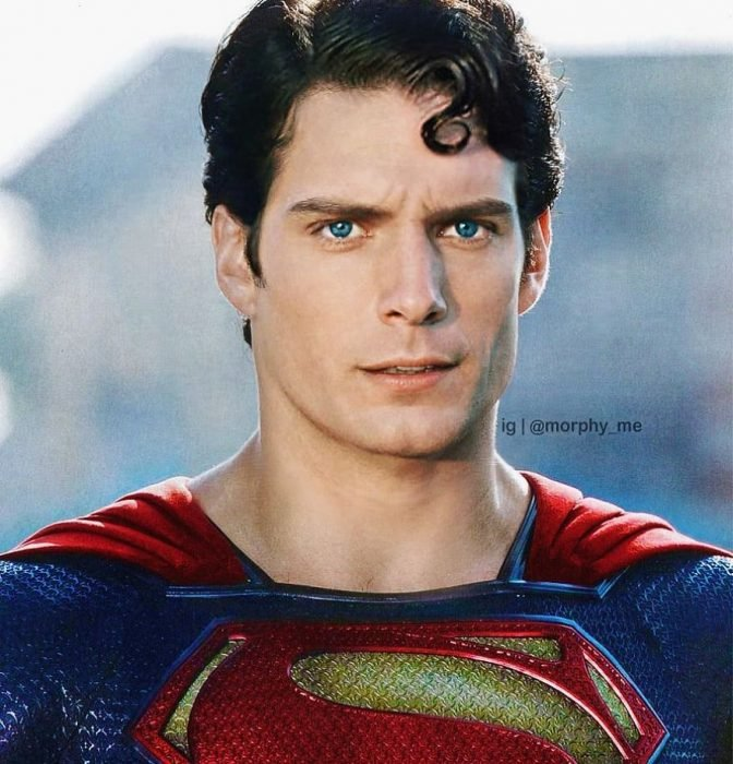 Hombre llevando traje del superhéroe Superman, Henry Cavill, Christopher Reeve, Morphy_Me