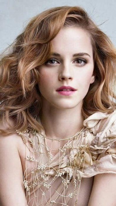 Emma Watson portada de revista con cabello rojo