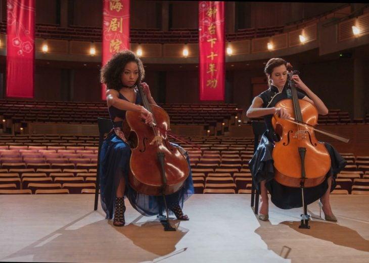 Mujeres tocando en una orquesta sinfónica, escena de la película The Perfection