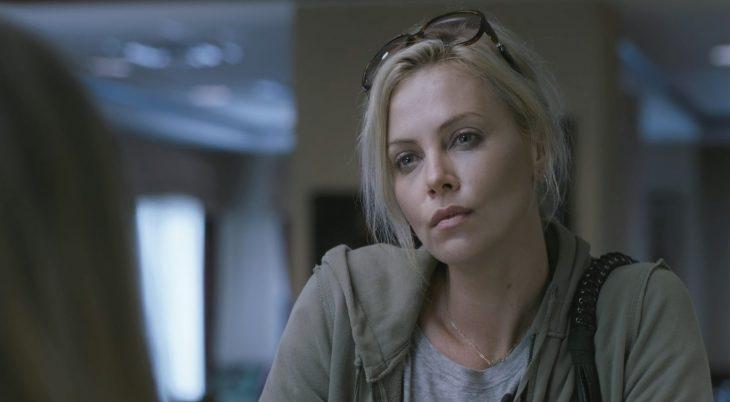 La actriz Charlize Theron en la cinta Young Adult