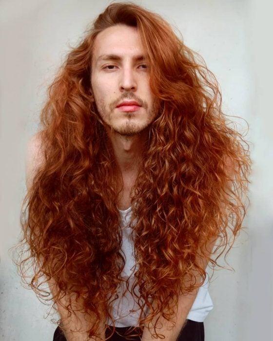 Cristiano Lb, Hombre de cabello rojo, chino y largo tipo Mérida de la película de Disney, Valiente