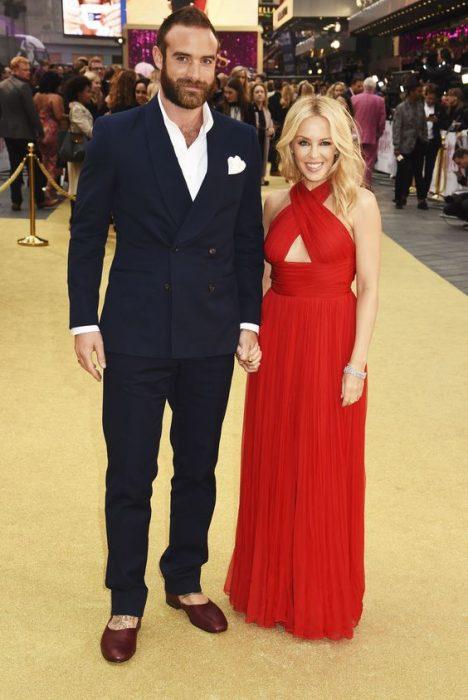 Kylei Minogue y Joshue Sasse