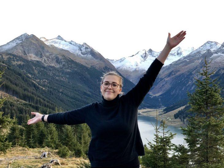 Natalie Kunicki la chica que sufrió de un derrame cerebral paseando por el bosque