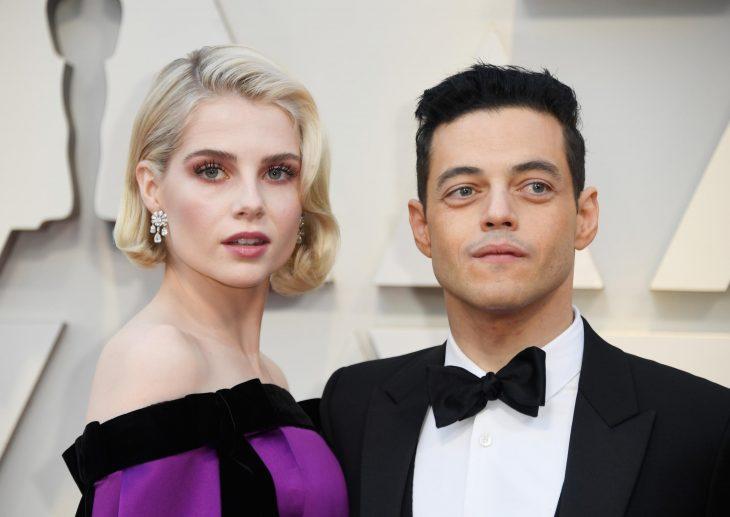 Peinados y looks que los Óscar 2019, Lucy Boynton, corte bob ondulado, vestido morado