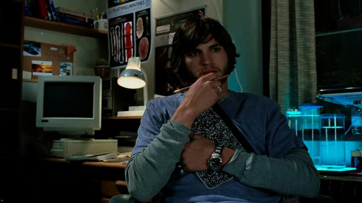 El actor Ashton Kutche en la cinta Efecto Mariposa