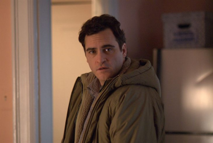 El actor Joaquin Phoenix interpretando a Leonard Kraditor de la cinta Two Lovers