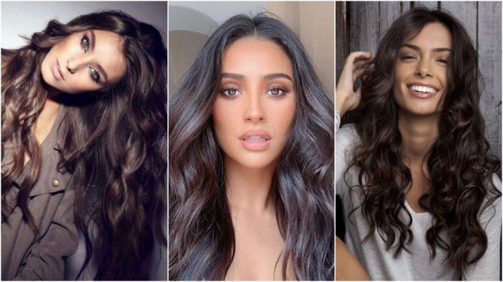 Tres chicas con cabello extra largo, peinado en ondas, mostrando tu nuevo tinte en tono Wood brown