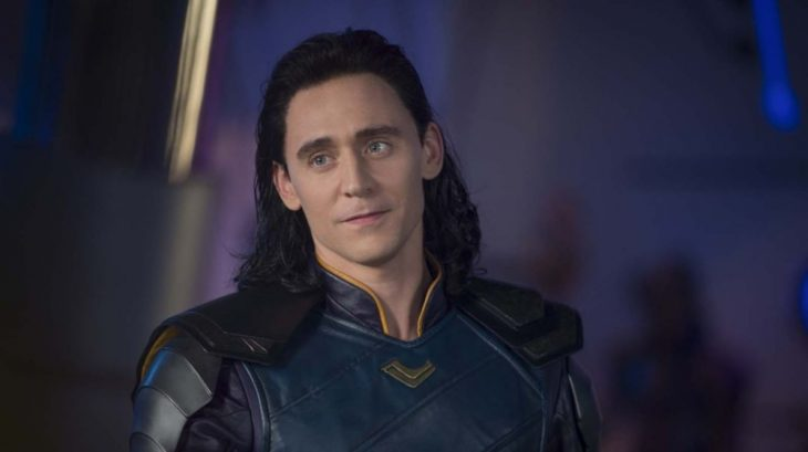 El actor Tom Hiddleston interpretando a Loki en la saga de Thor