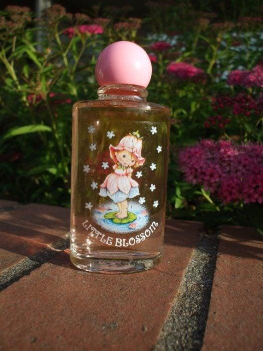 Frasco antiguo del perfume de Rosita Fresita