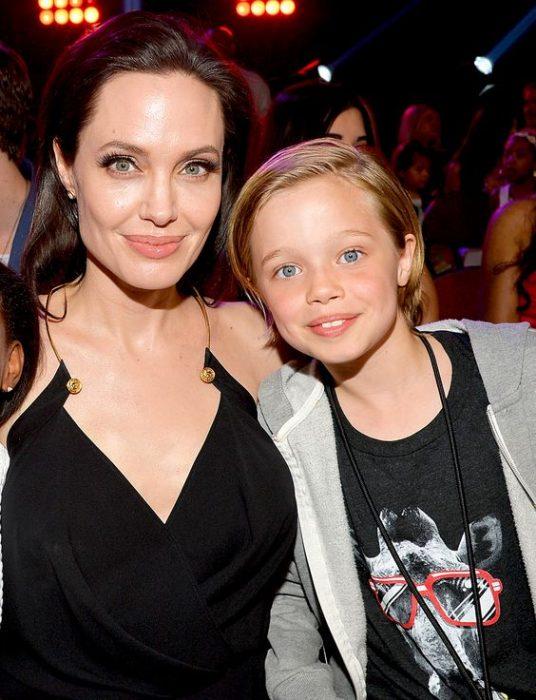 Angelina Jolie y Shiloh Jolie Pitt juntos en premios