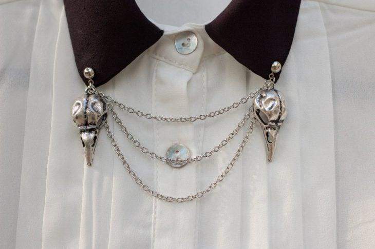 Collar tips; broches para cuello de camisa; pin de pájaro plateado con cadenas