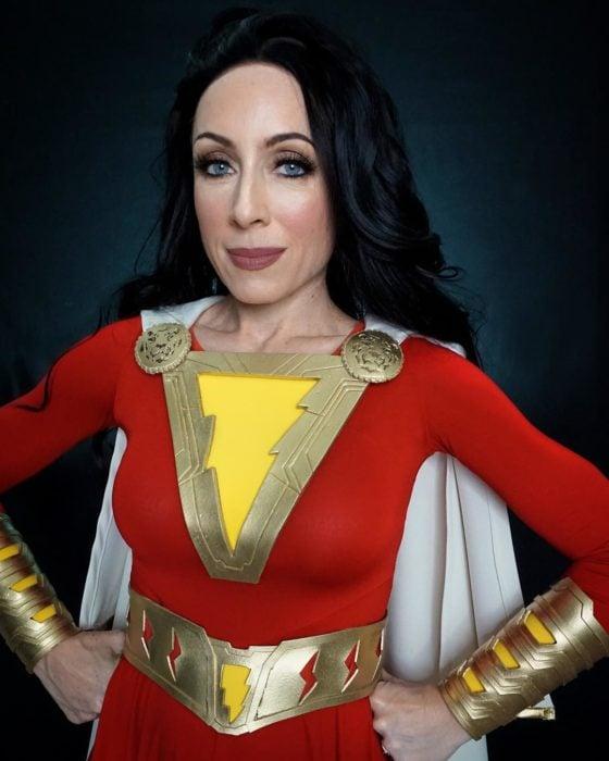 Brenna Mazzoni maquillada como Shazam