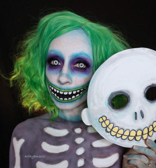 Brenna Mazzoni maquillada como Shock de El extraño mundo de Jack
