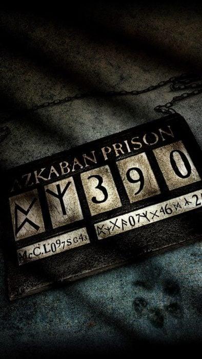 Fondo de pantalla para celular inspirado en Harry Potter con la placa de prisionero de Azkaban
