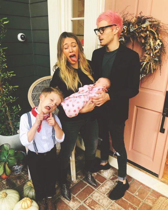 Cantante y actriz Hilary Duff con el músico y compositor Matthew Koma sy sus hijos Luza Cruz y la bebé Banks Violet Bair