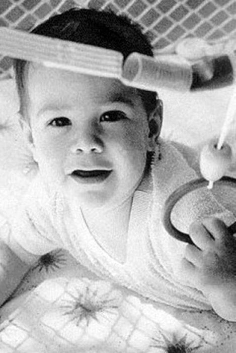 Actor Keanu Reeves de bebé
