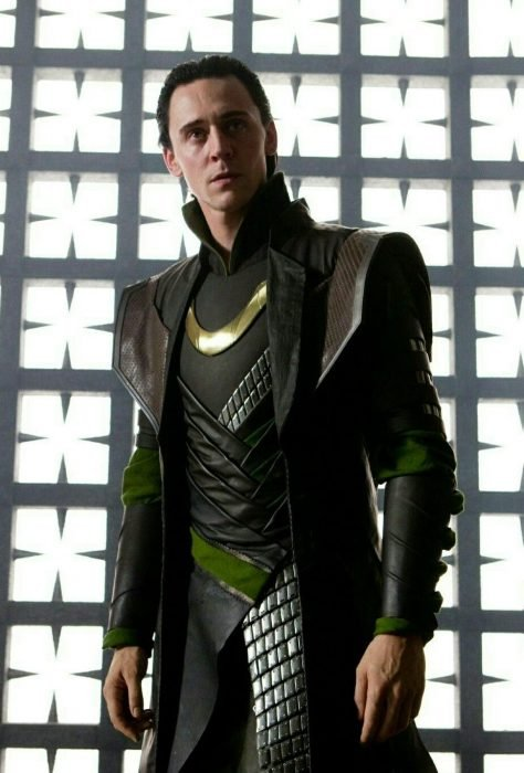 Actor Tom Hiddleston como Loki, hermano de Thor en Avengers, Marvel