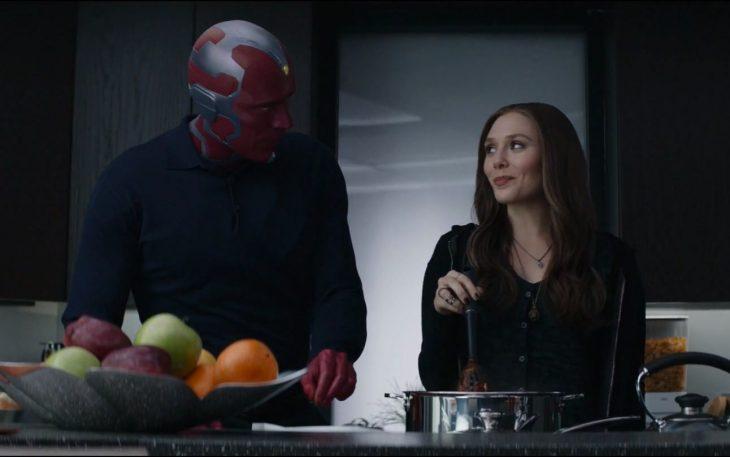 Wanda y Vision cocinando, escena película Avengers: Infinity War, Elizabeth Olsen, Paul Bettany
