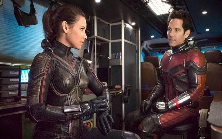 Scott Lang y Hope Dyne usando trajes cuanticos en Ant-Man y la Avispa, Evangeline, Paul Rudd, Marvel